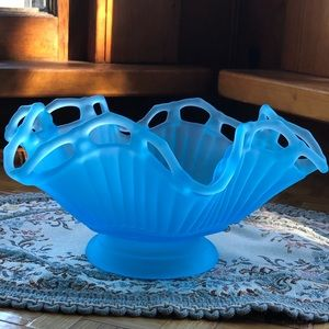 Ice blue satin glass dish 🥶💙
